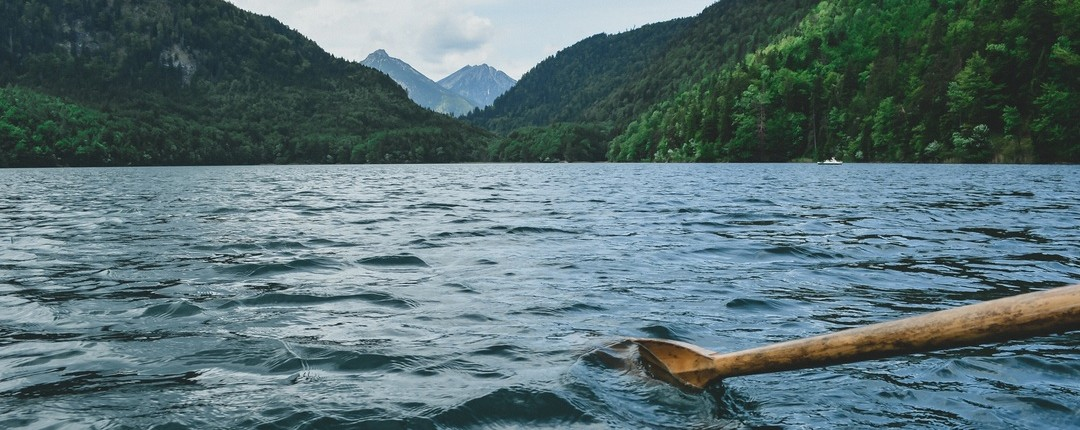 Mt Lake oar unsplash free photo-1449451982627-40025c095b91