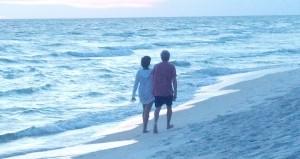 Couple_beach_BenitaEsposito